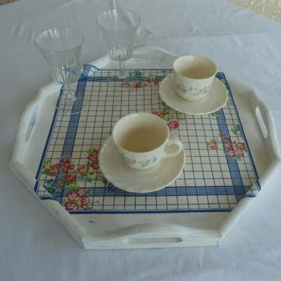 Cuisine et service de table plateau octogonal bois grand format 15993319 p1080481 1024x7d654 3ad8f 570x0 1
